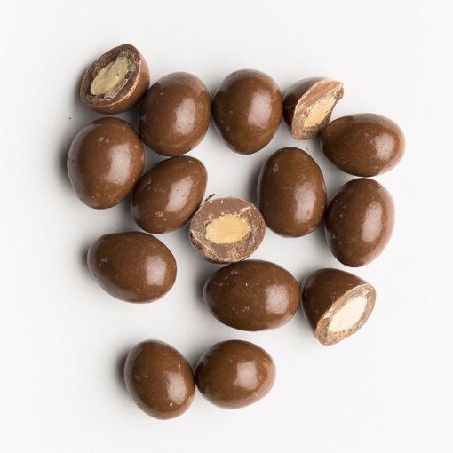 Picture of MILK CHOCOLATE ALMONDS (ALBANESE)